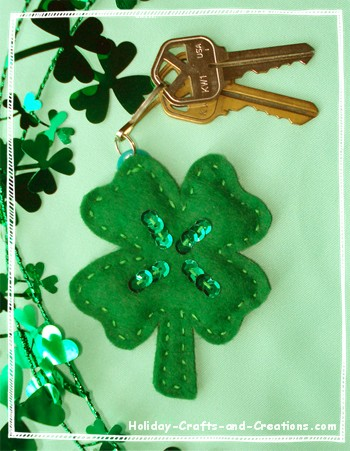 Lucky Shamrock Charm - Holiday Crafts and Creations